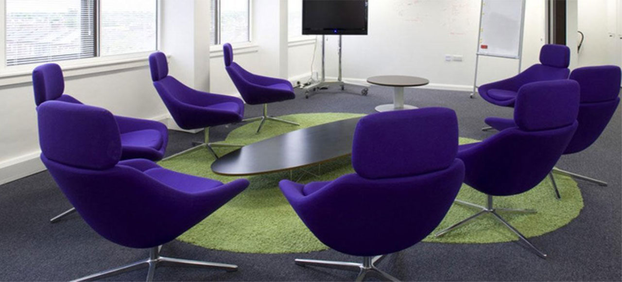 PANTONE ULTRA VIOLET IN HARMONY WITH YOUR OFFICE