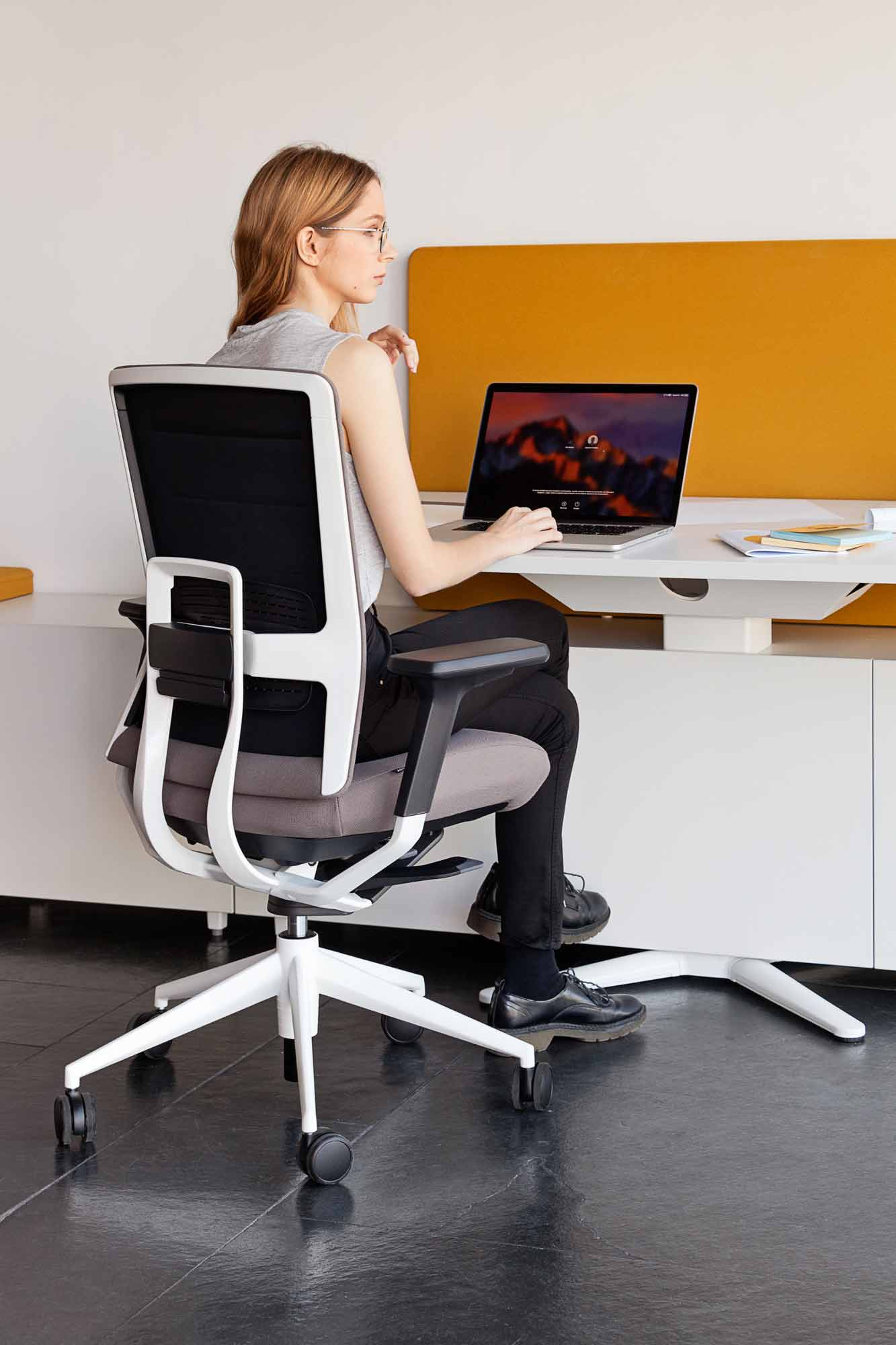 desk power operative executive tables tnkflex chair white brown mobility cabinets design height colorful adjustable personal computer laptop workplace excellence masof actiu