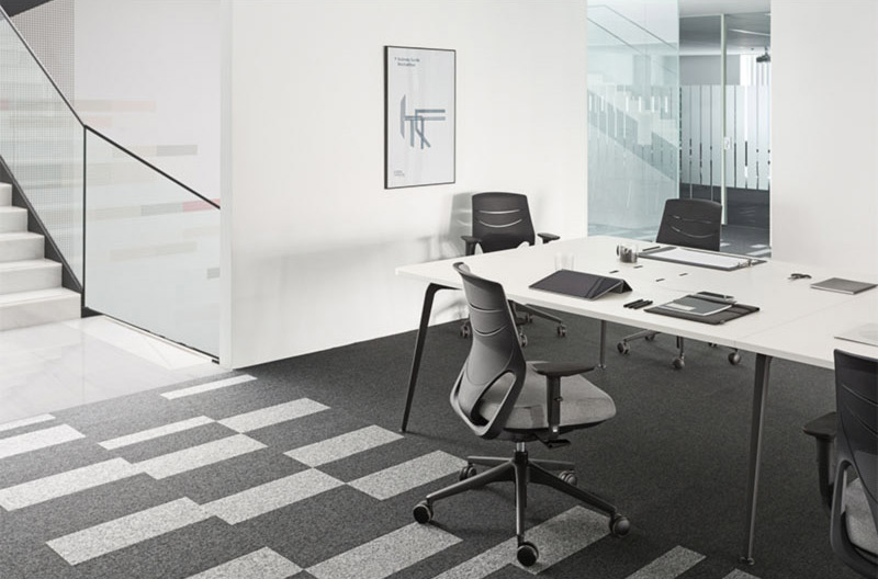 desk twist tables white conference efit chair black grey space technology connectivity adaptable contemporary office meeting workplace organic smooth optimization masof actiu